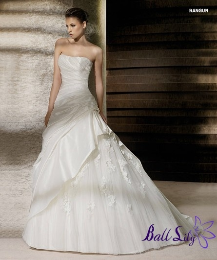 c73969ce8ec2ab00c7db469e1e2c3b71 Queen Mother Wedding Dress