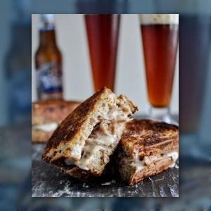 Crockpot Pulled Pork + Beer Cheese Grilled Cheese Sandwiches | Recipe