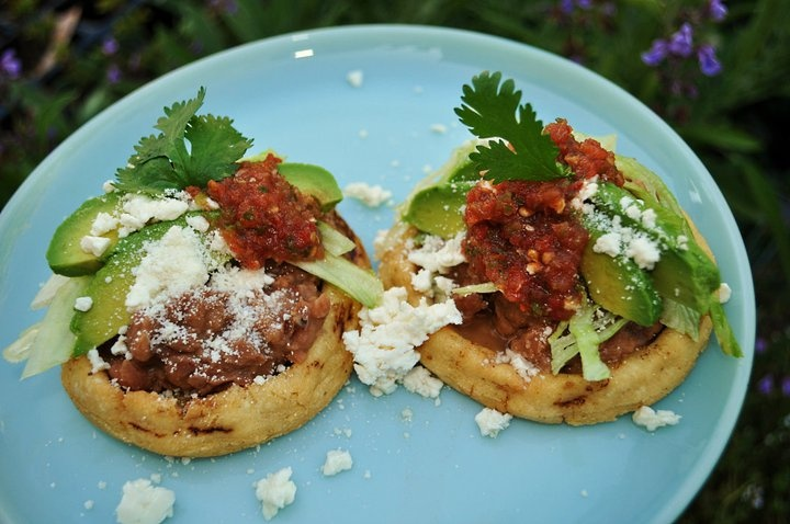 simple sopes de frijolesSopes De Frijoles