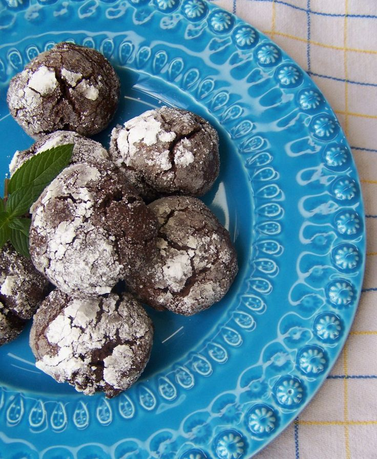 Dark Chocolate Mint Crackle Cookies | Medicinal Chocolate | Pinterest