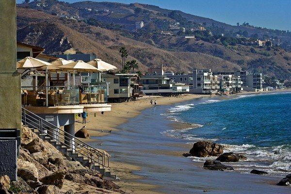 Beach houses malibu california houses pinterest for Malibu california beach houses