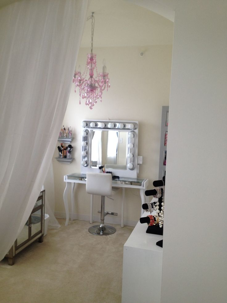 DIY makeup room (den turned into vanity room) classy chic apartment ...