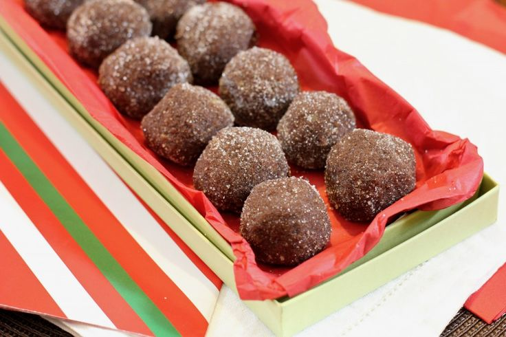 Chocolate Walnut Rum Balls - love these, but no one else does