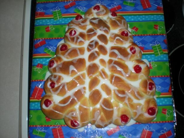 Christmas Tree Bread ~ A traditional Christmas morning sweet bread