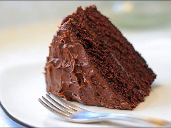 """22 - ANTOJOS 5 - Si tienes unas ganas incontrolables de comer pastel, no solo tienes que culpar a tu falta de autocontrol. """"El zinc es el nutriente más importante para controlar el apetito"""", cuenta Anita Ellis. Está conectado a la producción de leptina, la hormona que le dice a tu cuerpo que estás llena, así que si tienes un bajo nivel de este mineral, eso podría explicar tu antojo de pastel."""