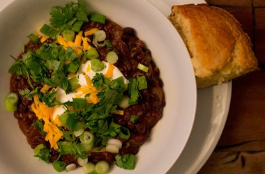 Summer Black Bean Chili with East Coast Grill Corn Bread — Punchfork