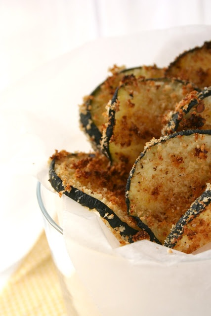 Baked Zucchini Chips~ 1 zucchini, sliced in large rounds at an angle ...