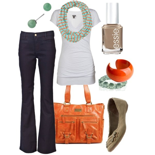 Love how the tangerine in the scarf coordinates with the accessories:)
