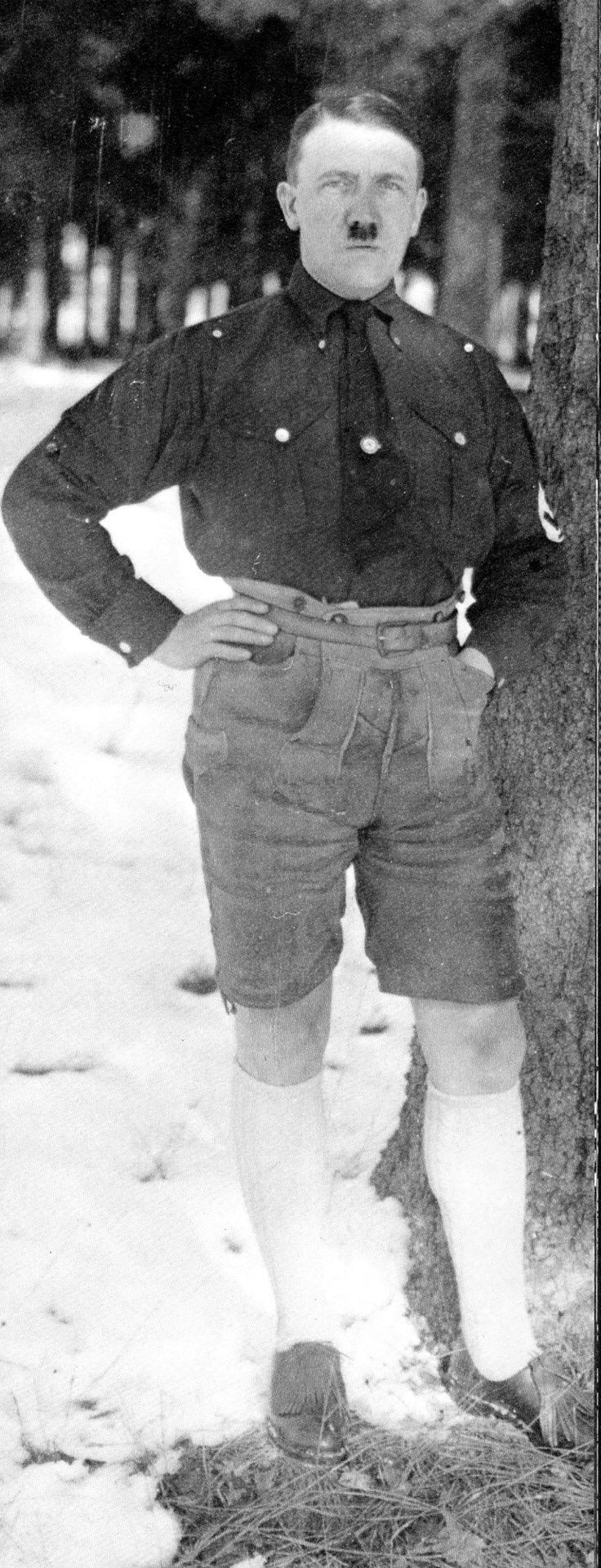 a short recount of the life of adolf hitler Birthday adolf hitler was born in braunau am inn, austria, on april 20, 1889 family the fourth of six children, adolf hitler was born to alois hitler and klara polzl.
