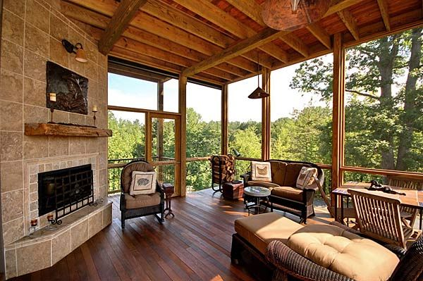 Amazing Screened in porch ~ I could live with this