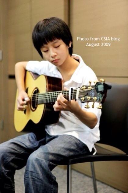 Học guitar tai nhà www.daydanguitar.vn