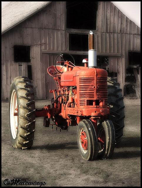 Old Farm Tractors : Old farmall tractors bing images