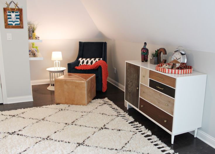 What a fab rug in this modern nursery from @overstock!