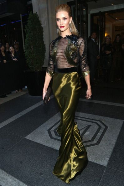 Rosie Huntington-Whiteley in a breathtaking and sexy Gucci at the Met Gala 2013