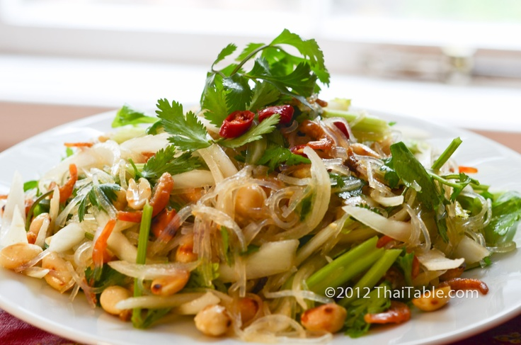 Yum Woon Sen - spicy clear noodle salad http://www.thaitable.com/thai ...