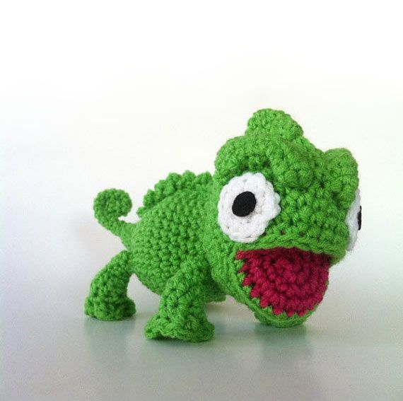Crochet Chameleons : Charming Chameleon amigurumi crochet pattern by Ami Amour