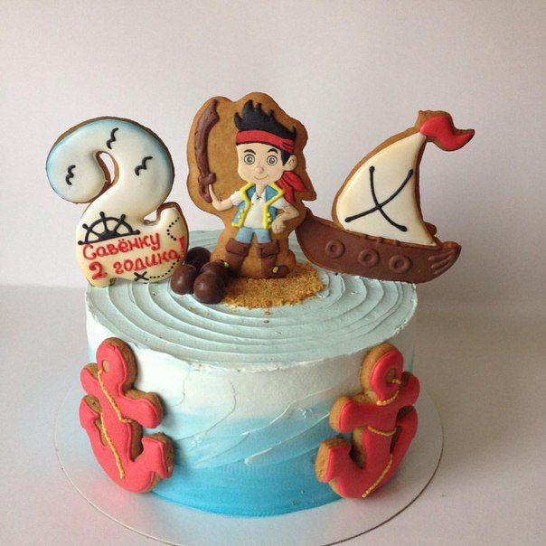 Торт детский с пряничным топпером