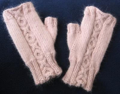 X O fingerless mitts Needle Knit Patterns Pinterest