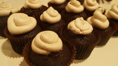Cakes   Rich chocolate cupcakes with dark chocolate ganache filling ...