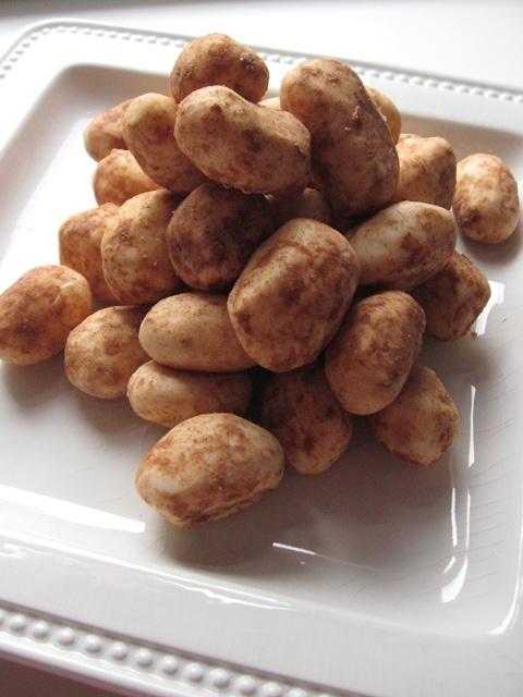 Candy that looks like potatoes. Via Stitch Bitch.