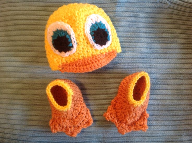 Baby duck booties and hat crochet Crochet Pinterest