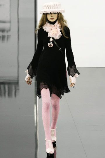 chanel clothes for women | Chanel Fall 2009 RTW : luxe flirty cocktail