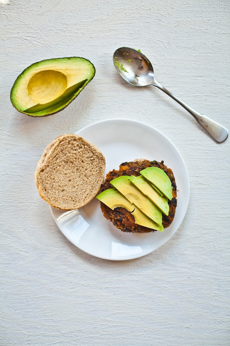 Homemade veggie burgers | MeatLess | Pinterest