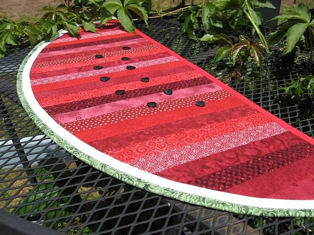 Sunshine in the Attic: Watermelon Table Topper for Summer (with a ... : watermelon quilt - Adamdwight.com