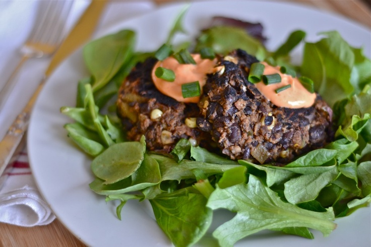 Spicy Black Bean Cakes with Sriracha Mayo (not a fan of mayo, but this ...