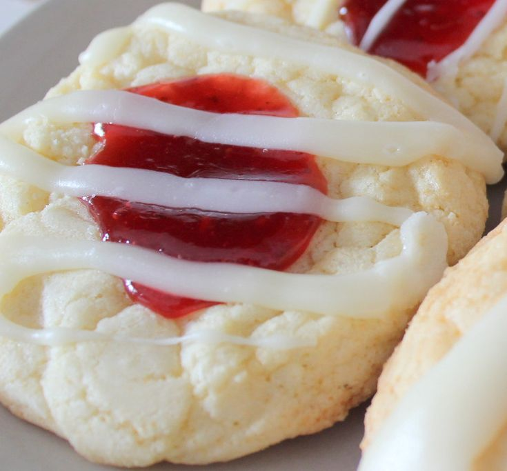 White Chocolate Raspberry Cookies | Ma Nouvelle Mode