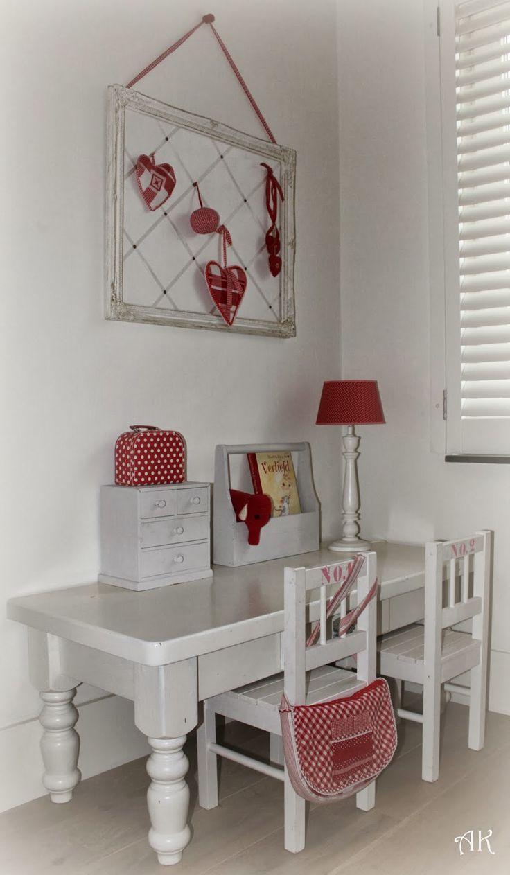 Slaapkamer rood-wit-stip-ruit  slaapkamer  Pinterest