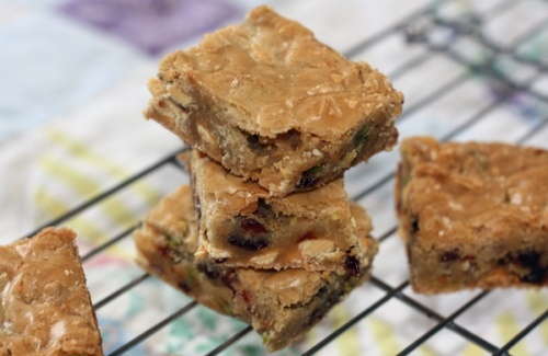 Pistachio Chocolate Chip Blondies Recipe — Dishmaps