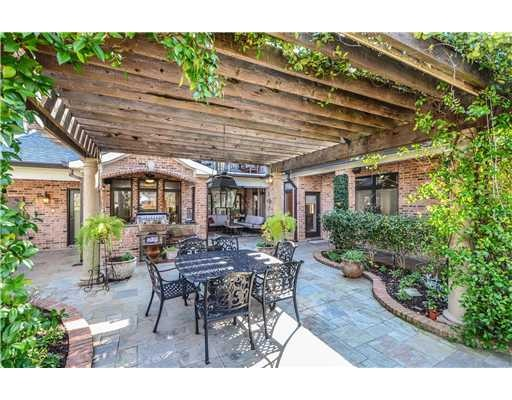 Beautiful Outdoor Space With Arbor Beautiful Outdoor