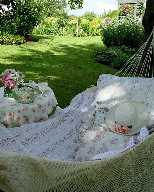 love hammocks gardening pinterest. Black Bedroom Furniture Sets. Home Design Ideas