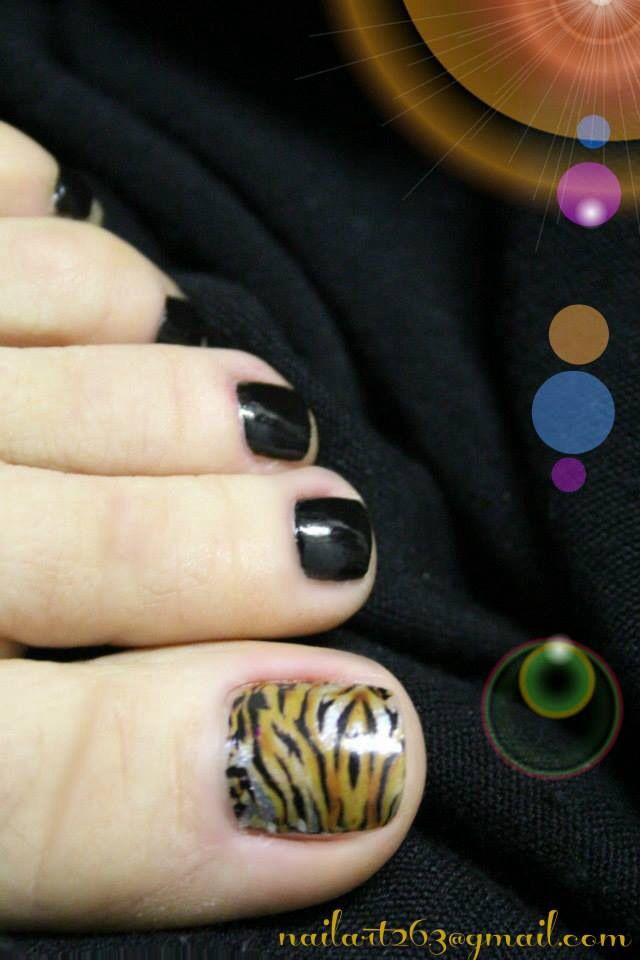 Animal print toe nails | Toe Nail Varnish | Pinterest
