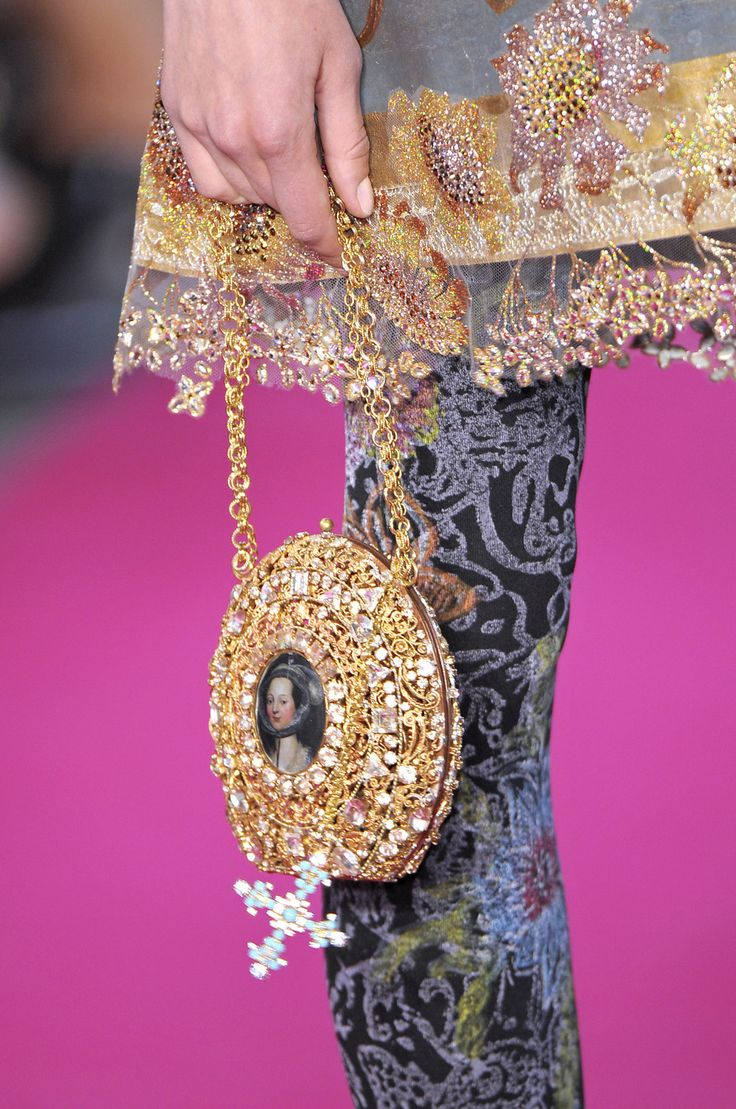 Love the purse!!!!!!!!!!!!!!!! Christian Lacroix Fall 2008 Couture