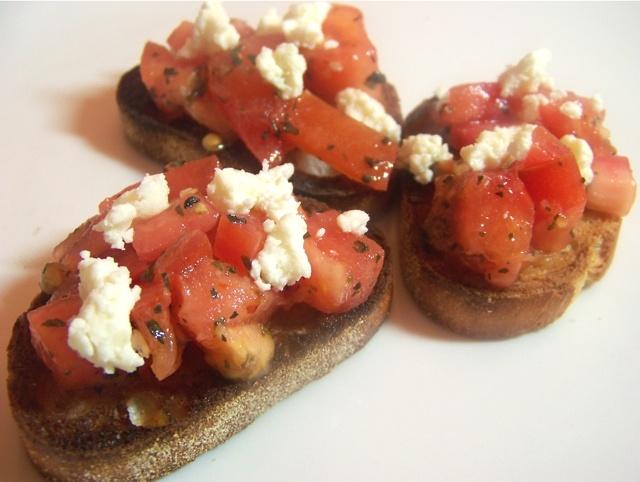Tomato and goat cheese bruschetta *faint*