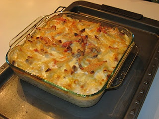 Baked penne with chicken and sun dried tomatoes