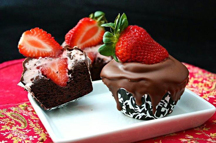 Chocolate covered strawberry cupcakes | Cupcakes | Pinterest