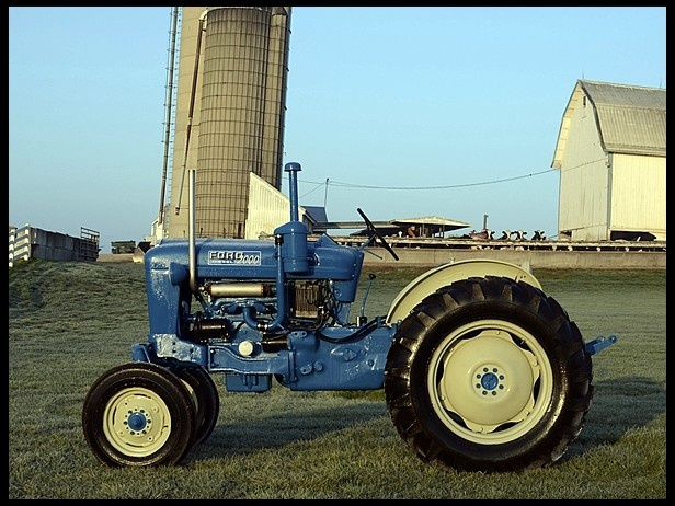Ford Tractor Company : Ford tractor division