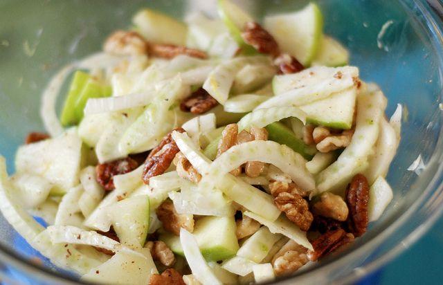 Apple Fennel and Walnut Salad. Status: Untested