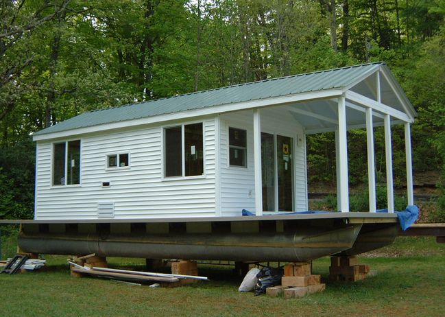 extremely simple pontoon house boat For the lake