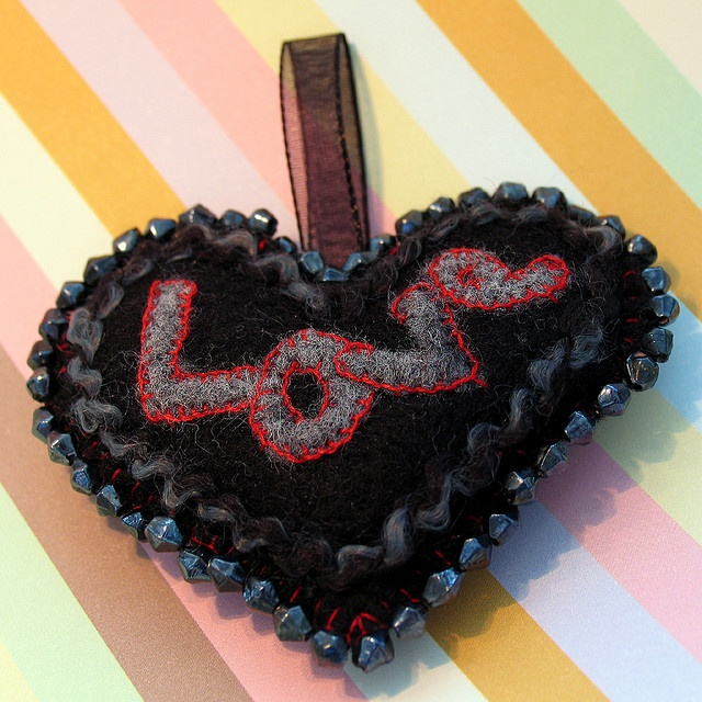 Embroidered Appliqué Puffy Felt Heart