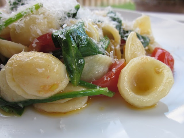 Orecchiette with Tomatoes and Arugula #vegetarian