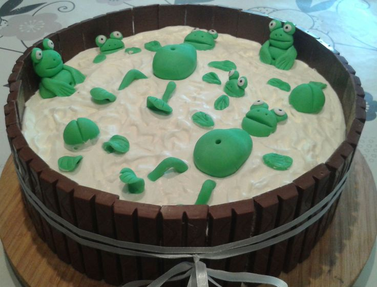 frog cake boys cakes pinterest. Black Bedroom Furniture Sets. Home Design Ideas