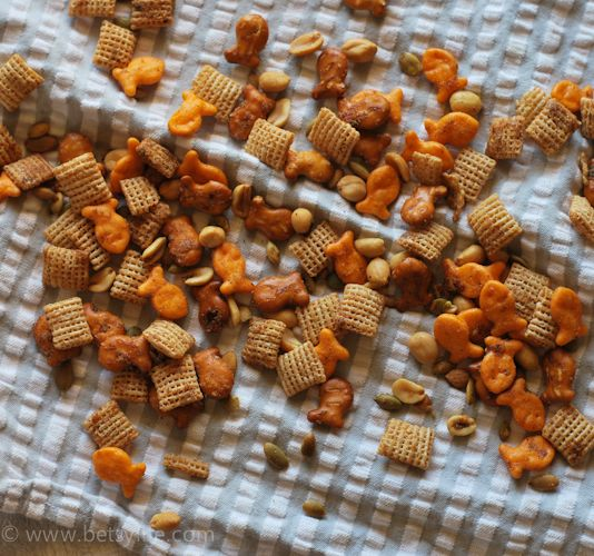 Easy Goldfish Snack Mix | Recipe