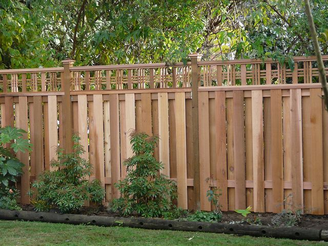 Good Neighbor Fencing Too Busy Deck Patio And Yard