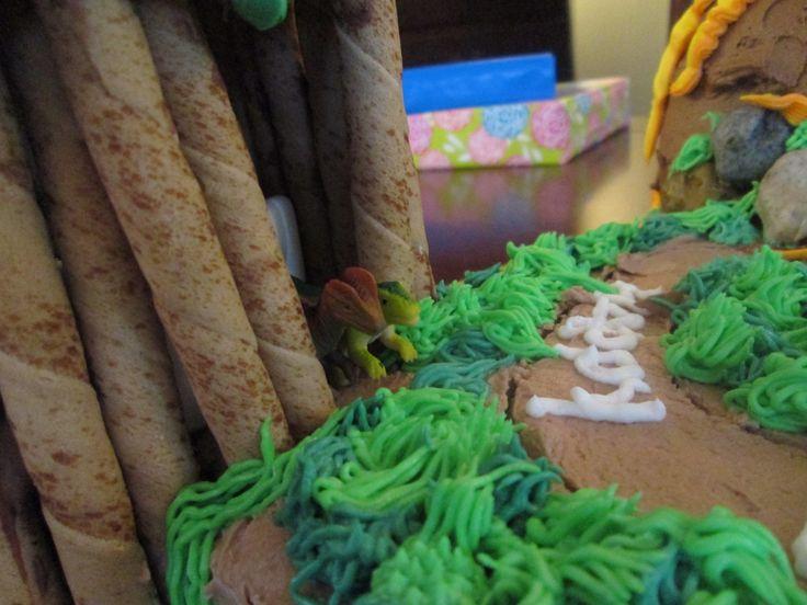Jurassic Park Cake details!   Birthday parties   Pinterest