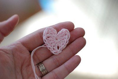 SALT for the spirit: Itty bitty crochet heart tutorial