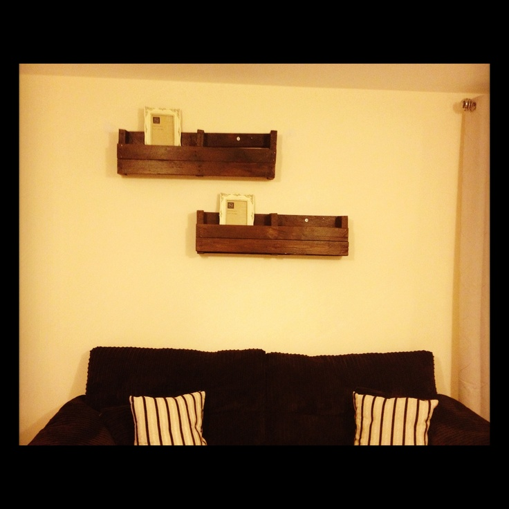 home made shelves out of pallets for the home pinterest. Black Bedroom Furniture Sets. Home Design Ideas